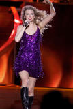 http://img224.imagevenue.com/loc1056/th_32495_Taylor_swift_performs_her_Fearless_Tour_at_Tiger_Stadium_002_122_1056lo.jpg