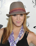 "Andrea Bowen @ The 1st Annual ""Muscle Milk Light"" Women's Fitness Retreat - Beverly Hills - June 11, 2010 (x8)"