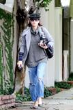 th_11006_Celebutopia-Kate_Walsh_with_ripped_jeans_in_Hollywood-23_122_524lo.JPG