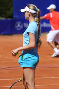 http://img224.imagevenue.com/loc749/th_308569237_Anna_Chakvetadze_WTA_Berlin_2008_01_122_749lo.jpg