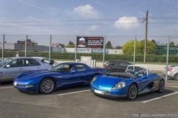 th_494936472_Renault_Spider_et_Chevrolet_Corvette_C5_Z06_122_794lo
