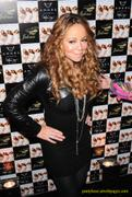 [Image: th_569527149_tduid2978_Mariah_Carey_21_122_817lo.jpg]