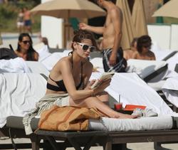http://img224.imagevenue.com/loc831/th_312722657_Mischa_Barton_Bikini_Candids_on_the_Beach_in_Miami_December_27_2011_237_122_831lo.jpg