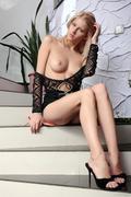 http://img224.imagevenue.com/loc960/th_378025897_Fondos_Mila_I_0040_123_960lo.jpg